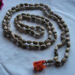 tipos de meditação - contas de meditação mantra