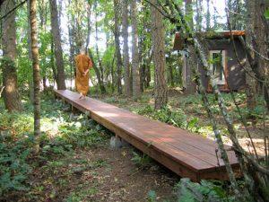 theravada walking meditation
