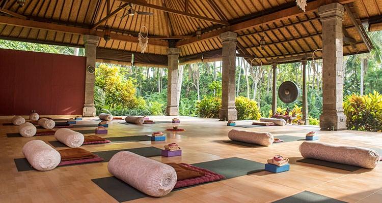 spiritual retreats and meditation retreats image